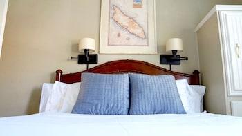 Room (Aruba)