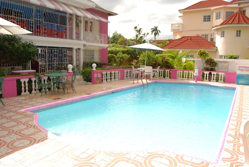 PinkHibiscus Guest House,