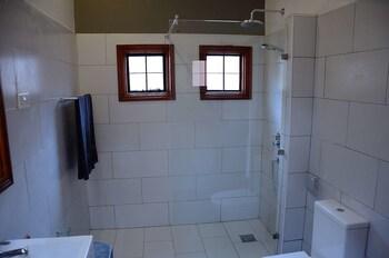 Green Hills of Africa - Bathroom  - #0