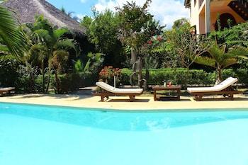 Hôtel Un Autre Monde - Outdoor Pool  - #0