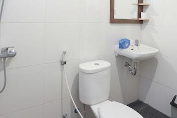 Airy Pantai Senggigi Raya KM 12 Lombok - Bathroom  - #0