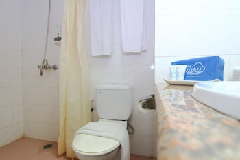 Airy Nagoya Garden Phase 2 Teuku Umar Batam - Bathroom  - #0