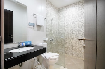 Airy Tegalsari Kedungsari Surabaya - Bathroom  - #0
