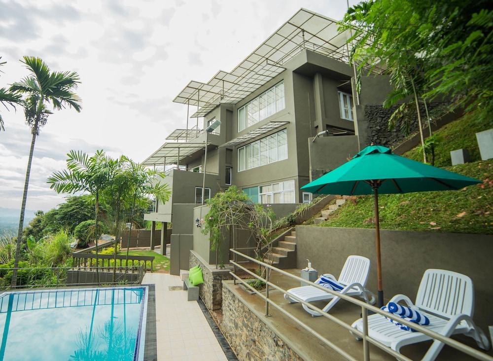 Range Hotel Kandy
