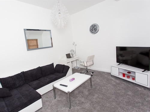 . Luxurious Serviced Apartments