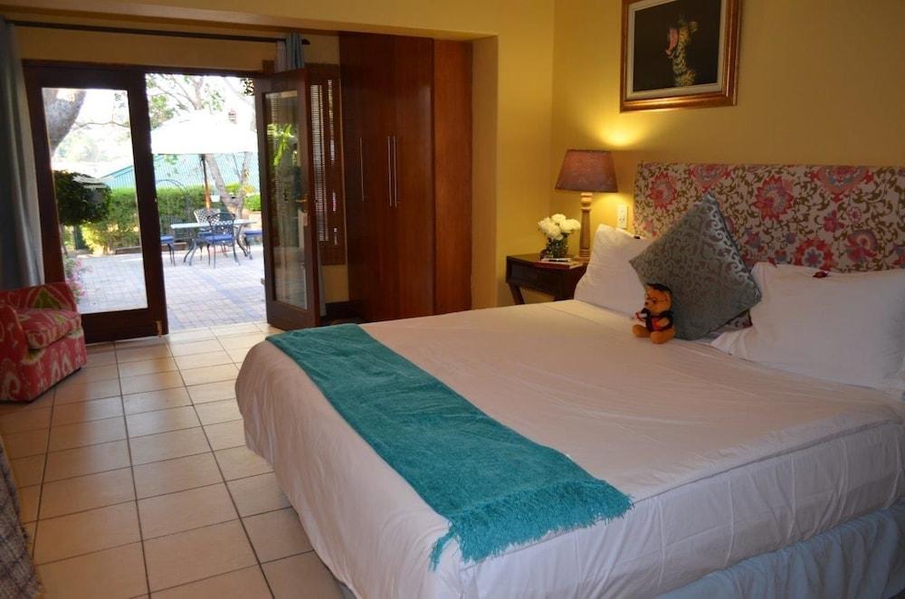 https://i.travelapi.com/hotels/17000000/16340000/16339700/16339668/2bb655f3_z.jpg