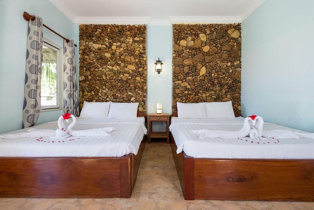 https://i.travelapi.com/hotels/17000000/16350000/16341900/16341873/0a9bea47_z.jpg