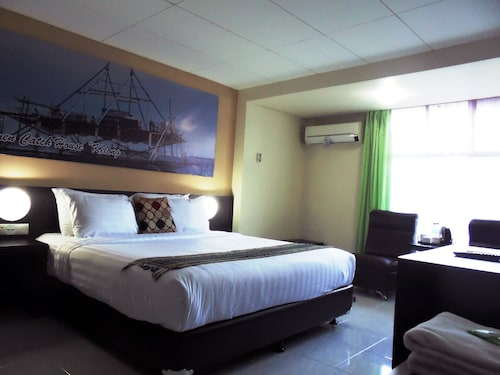. OYO 2487 Sampurna Jaya Hotel