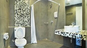 Milan Airport Hostel - Bathroom  - #0