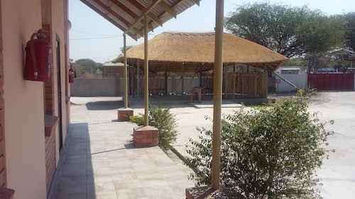 Ramorwa Guest Lodge, Ngamiland West