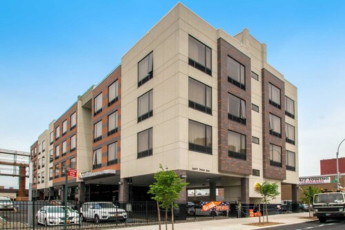 Comfort Inn & Suites near Stadium, Bronx