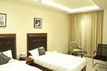 Hotel Hyderabad Grand - Guestroom  - #0