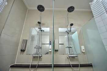 Michigan House & Pub - Hostel - Bathroom  - #0