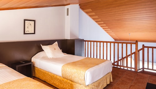 Hotel Vall de Bas, Girona