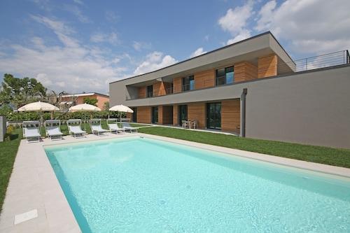 . Villa T14
