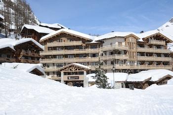 Hotel - Hôtel Barmes de L'Ours