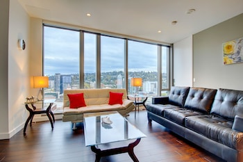 Furnished Suites in Downtown Portland