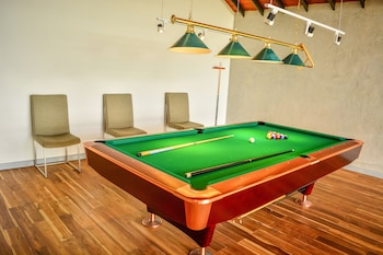 The Highlands By Unique Hotels - Billiards  - #0