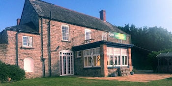 The Blue Anchor - Property Image 1
