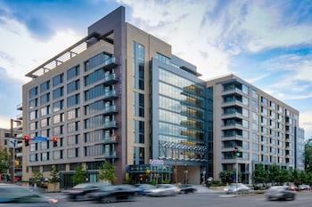 . Global Luxury Suites in Downtown Bethesda