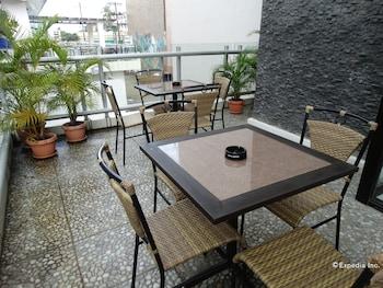 FILIGANS HOTEL Outdoor Dining