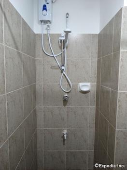 FILIGANS HOTEL Bathroom Shower