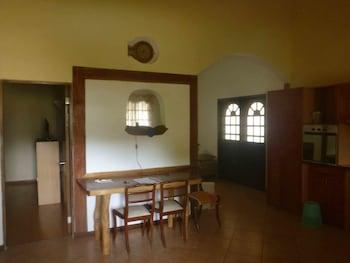 TIPTOP HOTEL RESTO AND DELISHOP Interior