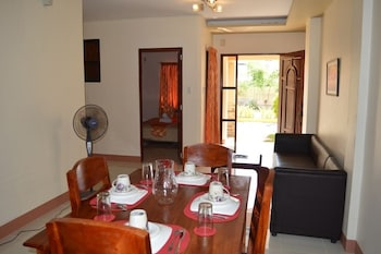 Manora Apartments and Guest House - In-Room Dining  - #0
