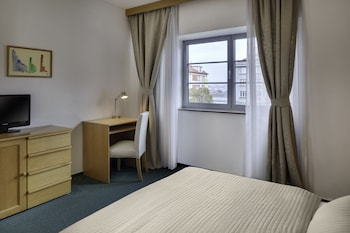 Triple Room (1 Double and 1 Twin Bed)