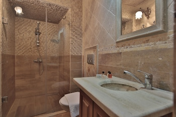 Shoestring Cave House - Bathroom  - #0