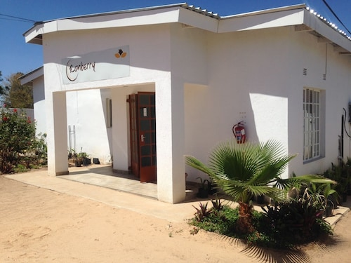 Ronberry Guest Lodge, Serowe