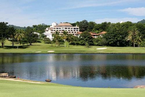 The Green Golf Residence Condominium, Kathu