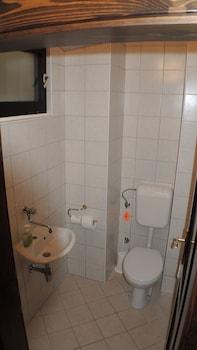 Green Oasis Apartments - Bathroom  - #0