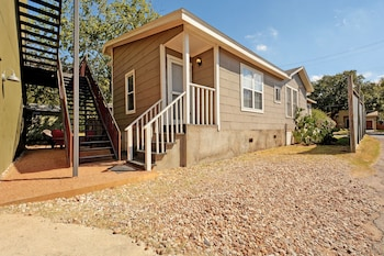Modern Accommodations in West Austin by RedAwning