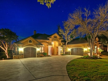 4BR 4BA Luxury Lake Travis House with Pool and Hot Tub by RedAwning