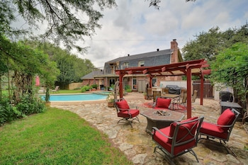 3BR/2.5BA North Austin Retreat with Pool and Spa by RedAwnin