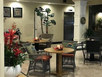 Hotel - GreenTree Inn & Suites Alhambra