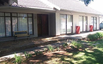 21 on Coetzee Guest House - Hotel Entrance  - #0