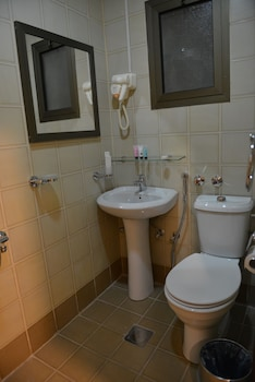 The First Tower Hotel Apartment - Bathroom  - #0