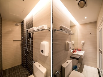 OYO 279 Orange Premier Hotel - Bathroom  - #0