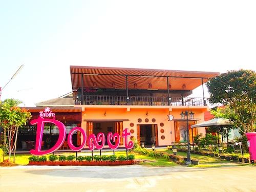 . Donut Resort