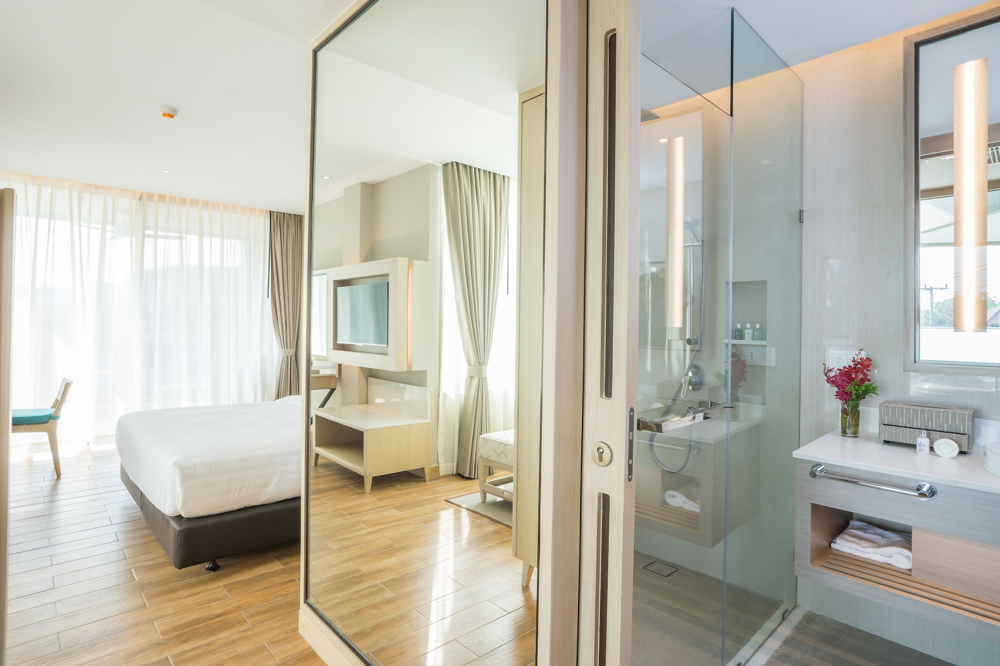 AVANI Deluxe Jacuzzi Room