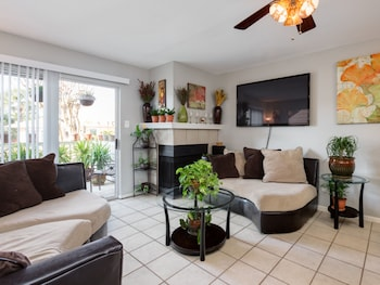 1BR Beach Bliss in Galveston by RedAwning