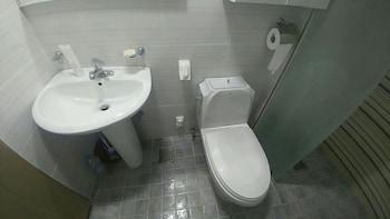 Opera Guesthouse - Hostel - Bathroom  - #0