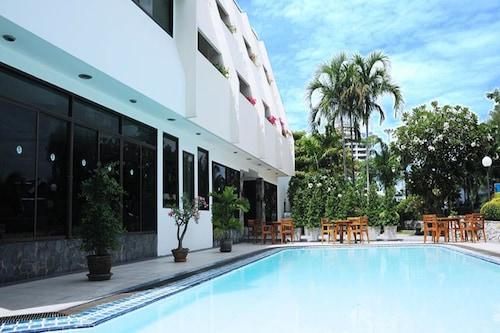 . Bangsaen Villa Hotel