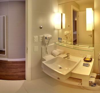 Quality Hotel Sao Caetano - Bathroom  - #0