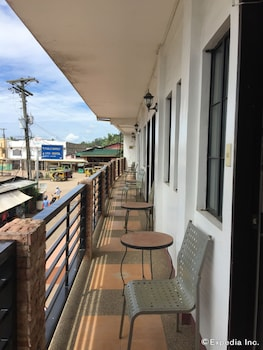BALAIBINDA LODGE Balcony