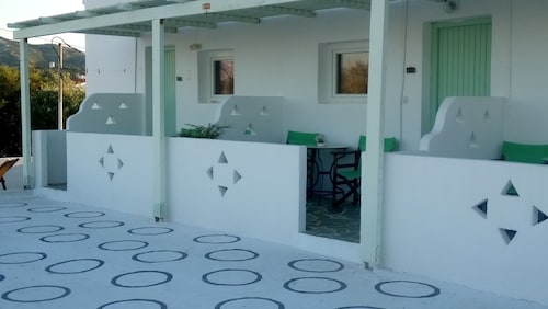 Kochylas Studios, Central Greece