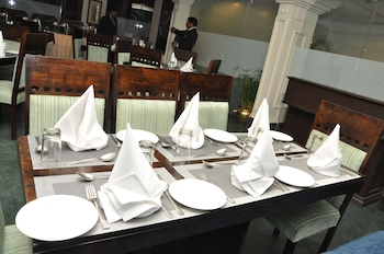 RnB Select Empire Regency Jaipur - Restaurant  - #0