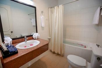 Hoa Binh Hotel - Bathroom  - #0